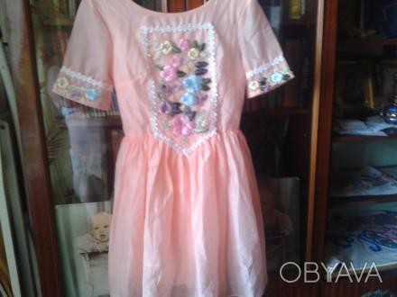 Платье для девочки,вышивка лентами, две юбки для пышности, производство Китай, с. Белая Церковь, Киевская область. фото 1