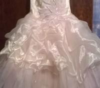 Платье нарядное, почти новое, один раз одели. Все вопросы по телефону.. Житомир, Житомирская область. фото 2