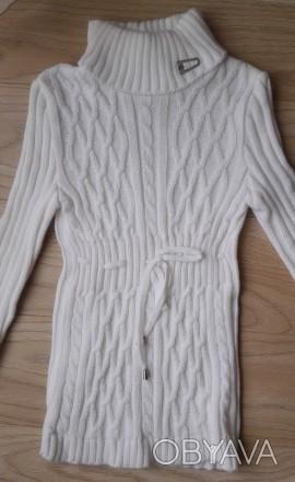Модель К-14. Белый удлиненный свитер-туника. Украшен большим красивым воротником. Киев, Киевская область. фото 1