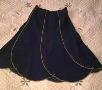 Костюм состоит из юбки и жилета, цвет - темно синий. Юбка на резинке. Возможен,. Могилев-Подольский, Винницкая область. фото 3
