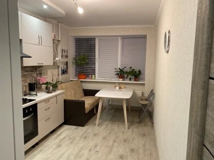 Продам 1 ком.квартиру площадь 40 м2 на 9/10 этаже. Сделан качественный ремонт, п. Синергия-2 ЖК, Ирпень, Киевская область. фото 2