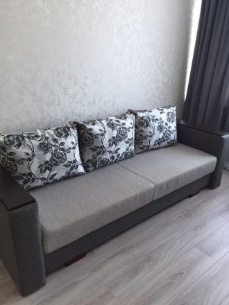 В квартире есть вся необходимая мебель и бытовая техника.Есть свой счетчик на те. Приморский, Одесса, Одесская область. фото 4