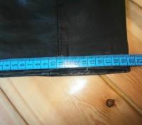 Кожаные брюки пошиты в форме джинсов. Куплены в Германии для езды на мотоцикле.Н. Винница, Винницкая область. фото 9