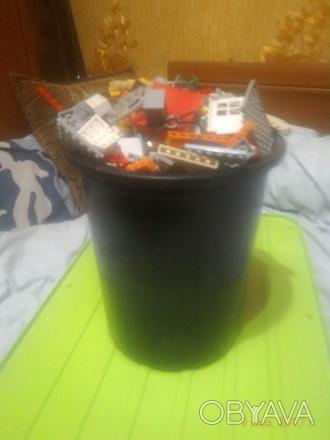 Лот №142  6 литровое полное ведро с горой очень ярких и красочных деталей, на . Александрия, Кировоградская область. фото 1