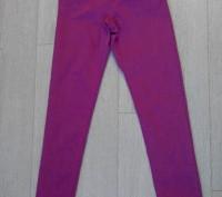 Джинсы. Skinny / Slim fit  H&M на 11-12 лет, рост 152 см. Цвет серенево-розовый.. Сумы, Сумская область. фото 2