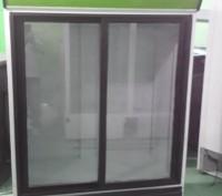 Холодильный шкаф витрина бу  для напитков и продуктов SEG, 700 л. Чернигов. фото 1