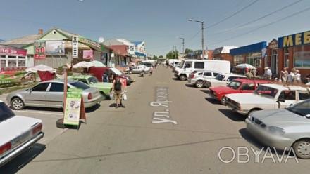 Торговая площадка на фасаде ул. Ярмарочная