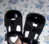 Очень красивые туфельки. Надели 1 раз .внутри натуральная кожа , ножка малышки н. Киев, Киевская область. фото 4