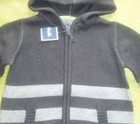 Новий светер з капішоном для хлопчика 5 років США. Львів. фото 1