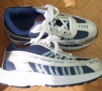 Нові кросівки ідуть на 30 р. довжина устілки 20 см (хоча розмір вказаний 33) куп. Львов, Львовская область. фото 7
