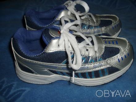 Нові кросівки ідуть на 30 р. довжина устілки 20 см (хоча розмір вказаний 33) куп. Львов, Львовская область. фото 1