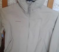 Продам куртку в хорошем состоянии не промокает ередам р.122-128 см длина от капю. Трускавец, Львовская область. фото 2