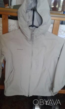 Продам куртку в хорошем состоянии не промокает ередам р.122-128 см длина от капю. Трускавец, Львовская область. фото 1