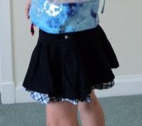 Вельветовая юбка DENIM Co темно-синяя (нижний волан - бело-синяя клетка) 7-8 лет. Київ. фото 1