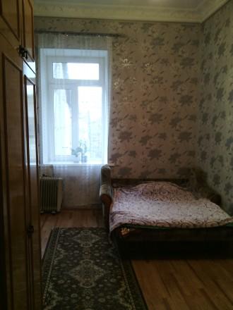 Продам комнату в коммуне  Нежинская/Торговая 3/4 эт комната 15м ,кухня 18м + 2 с. Приморский, Одесса, Одесская область. фото 2