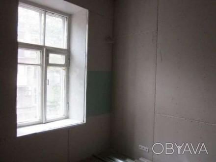 Продам 1-комнату, гостинку в Центре, метро Конституции