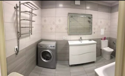 Продам 3-х комнатную квартиру 94 кВ.м 2 спальни и кухня-столовая, 2 сан узла, га. Индустриальный, Днепр, Днепропетровская область. фото 13