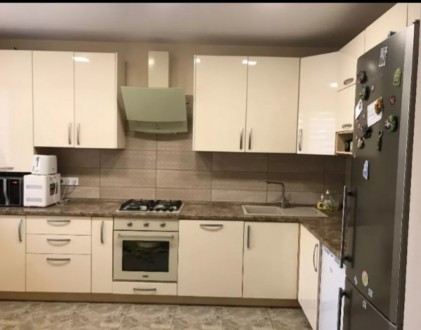 Продам 3-х комнатную квартиру 94 кВ.м 2 спальни и кухня-столовая, 2 сан узла, га. Индустриальный, Днепр, Днепропетровская область. фото 2
