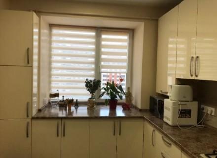 Продам 3-х комнатную квартиру 94 кВ.м 2 спальни и кухня-столовая, 2 сан узла, га. Индустриальный, Днепр, Днепропетровская область. фото 3