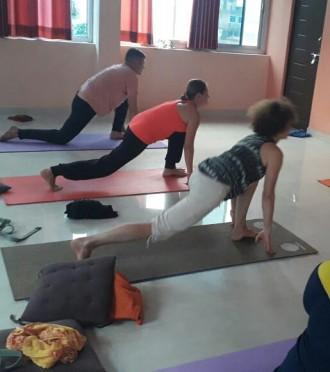 Проводится набор в группы по хатха йоге. В ходе занятий применяется комплексный. Запорожье, Запорожская область. фото 2