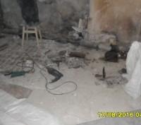 Демонтируем сантехнические кабины это увеличит высоту ванной комнаты.После демон. Донецк, Донецкая область. фото 2