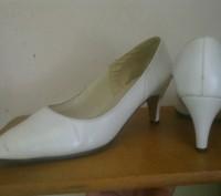 Белые туфли. Львов. фото 1