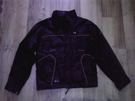 Куртка демисезонная на парня 15 - 16 лет. Сумы. фото 1