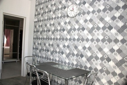 Нова 2к квартира на Щасливому!  Ціна 8500+ ліч, завдаток за майно 8000грн Квар. Счастливое, Ровно, Ровненская область. фото 3