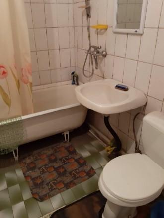 Часть дома. Вход свой. Две комнаты, санузел с ванной, стиральная машинка, кухня,. Нагорка, Днепр, Днепропетровская область. фото 4