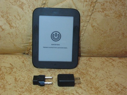 Электронная книга Nook Simple Touch BNRV300. Стрый. фото 1