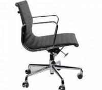 Кресло офисное, средняя спинка, сидение из прошитого кожзама, кресло вращается и. Днепр, Днепропетровская область. фото 3