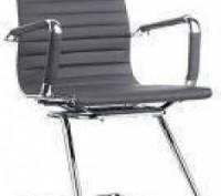 Кресло офисное, средняя спинка, сидение из прошитого кожзама, ЦВЕТ черный, на хр. Днепр, Днепропетровская область. фото 3