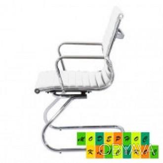 Кресло офисное, средняя спинка, сидение из прошитого кожзама, ЦВЕТ черный, на хр. Днепр, Днепропетровская область. фото 1