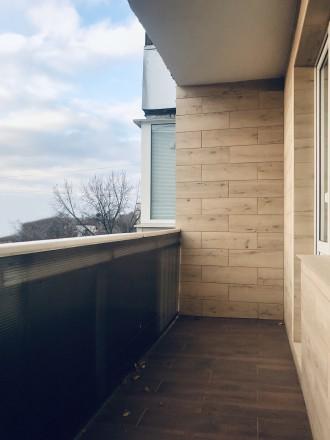 Уникальный пятиэтажный кирпичный дом с толстыми стенами, возводился в 1979 году . Бобровица, Чернигов, Черниговская область. фото 10