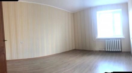Уникальный пятиэтажный кирпичный дом с толстыми стенами, возводился в 1979 году . Бобровица, Чернигов, Черниговская область. фото 5