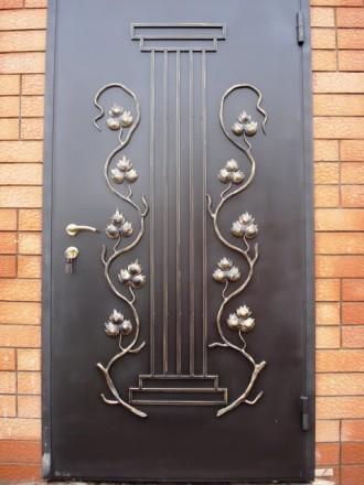 входная дверь с ковкой эксклюзив