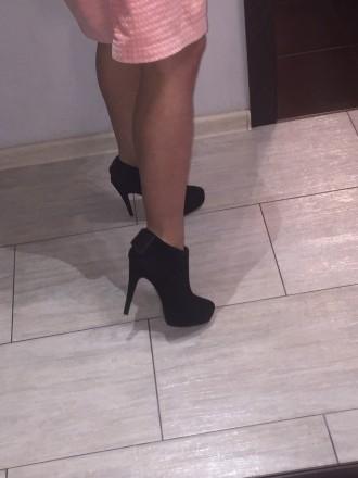 черные замшевые ботинки ботильоны американского бренда Dolce Vita на шпильке с о. Киев, Киевская область. фото 10