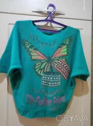 Красивый свитер, модель летучая мышь, размер 42, состояние идеальное