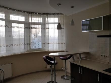 Нов. дом в районе Малиновского базара.. Совремнна квартира. Большая кухня с барн. Малиновский, Одесса, Одесская область. фото 4