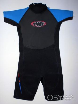 Детский гидрокостюм черно-голубой TWF