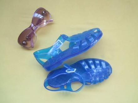 Новые синие мыльницы, силиконовые босоножки, р.31, Италия, Сток. Длина стельки . Пирятин, Полтавская область. фото 2