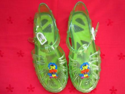 Фирменные босоножки для девочек,Италия,р.32-33,в отличном состоянии.Цвет-зелёный. Пирятин, Полтавская область. фото 2