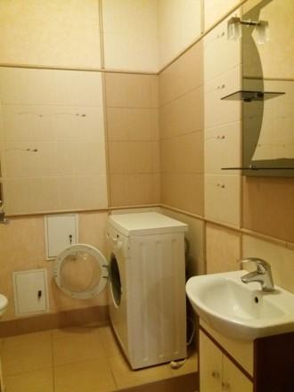 Продам 3-х комнатную квартиру по ул. Любарского д. 36.  Кирпичный дом 2006 года . Днепр, Днепропетровская область. фото 5