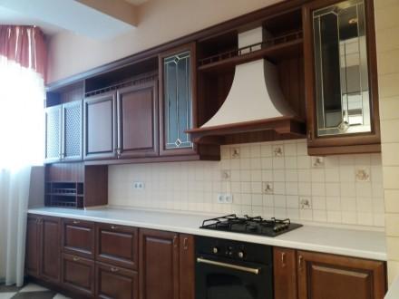 Продам 3-х комнатную квартиру по ул. Любарского д. 36.  Кирпичный дом 2006 года . Днепр, Днепропетровская область. фото 8