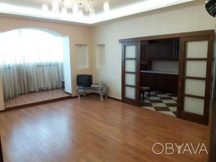 Продам 3-х комнатную квартиру по ул. Любарского д. 36.  Кирпичный дом 2006 года . Днепр, Днепропетровская область. фото 1