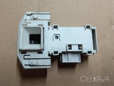 Замок люка УБЛ Блокировка ROLD DM070 стиральной машины Bosch