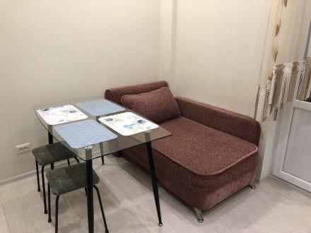 В квартире есть вся необходимая мебель и бытовая техника. Лоджия из кухни 9 м2.. Киевский, Одесса, Одесская область. фото 3