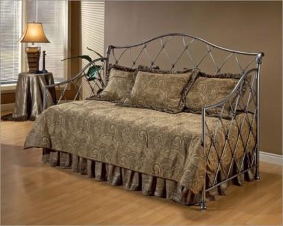 Элитная кованая мебель с элементами плазменной резки: кровати, диваны, столы, ст. Кременчуг. фото 1
