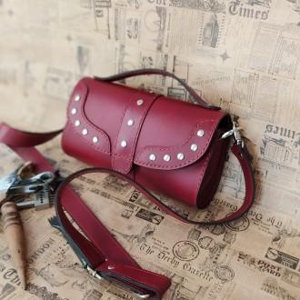 Удобная, надежная сумка из плотной кожи . В сумке 3 отделения . Внутри  черная к. Одесса, Одесская область. фото 3
