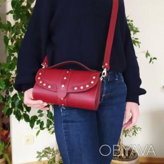 Удобная, надежная сумка из плотной кожи . В сумке 3 отделения . Внутри  черная к. Одесса, Одесская область. фото 1